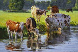 Roodbont vee langs de rivier - Jan van 't Hoff - gicleekunst